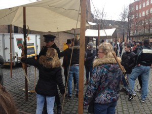 HISTORIE-KS Kasteelschutters Handboogschieten Organisatie Historische Evenementen Charles Dickens Markt Grote Kerk Hofkwartier Geschiedenis Liekie's Liedjes Loek en Bas 2